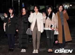 Red Velvet (17.2.3).jpg