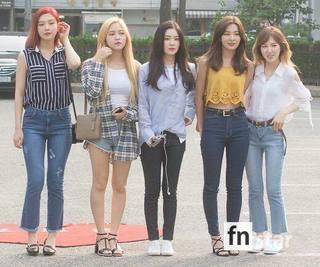 Red Velvet (17.6.30).jpg